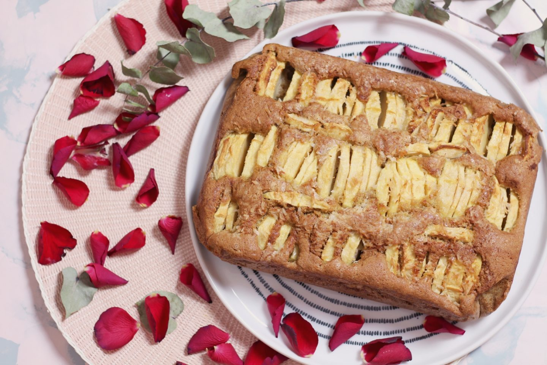 Donna Hay apple cake